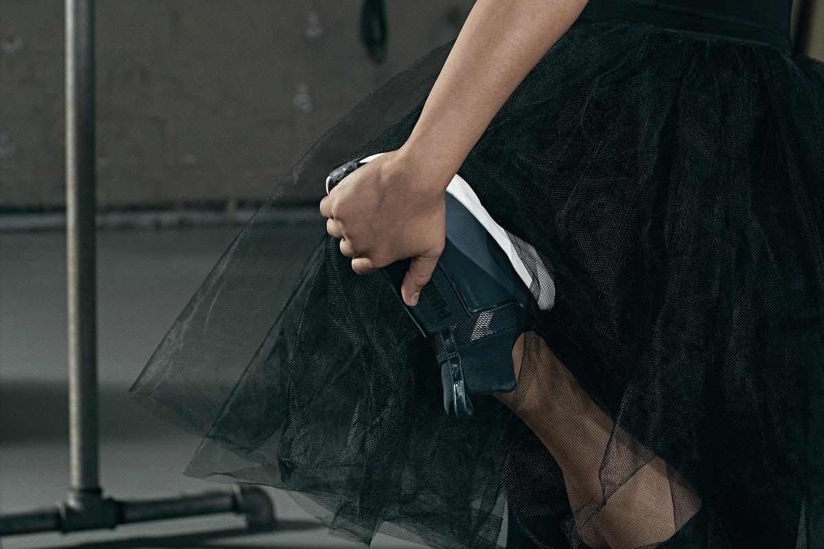運動場也上演天鵝湖 PUMA新系列讓妳如黑天鵝般優雅躍動