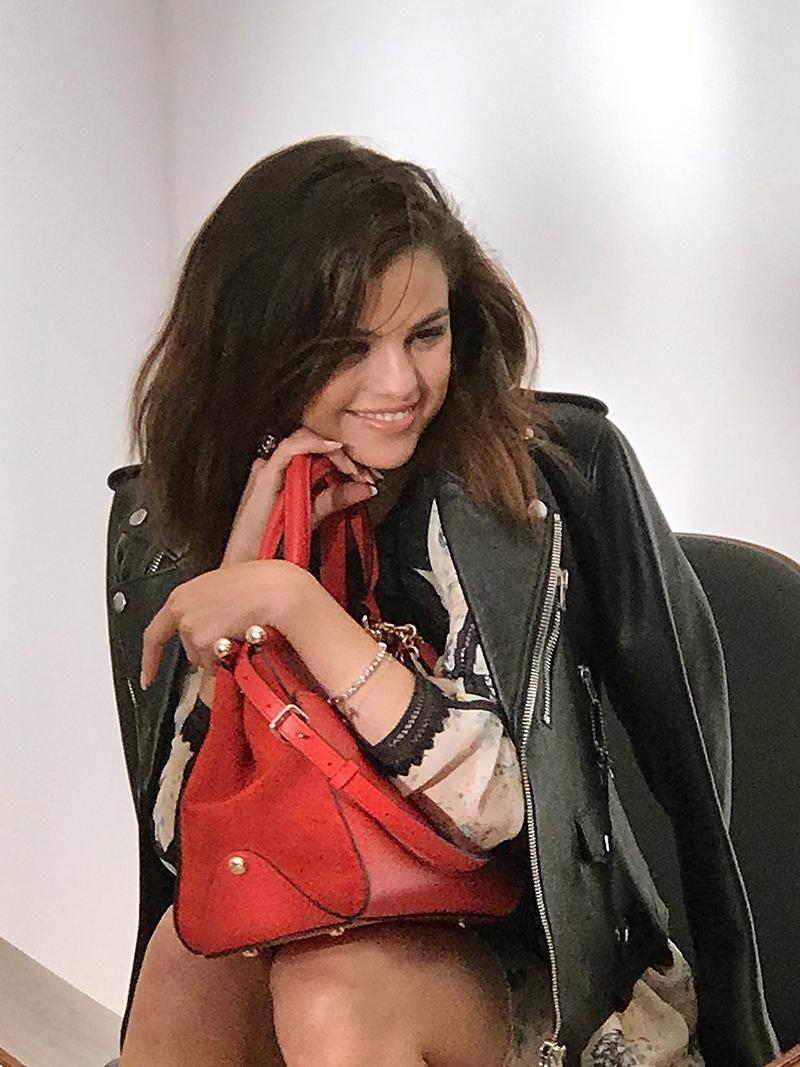 刺青不夠看,現在更推出手袋!激發IG女王Selena Gomez的設計魂全靠這句人生座右銘