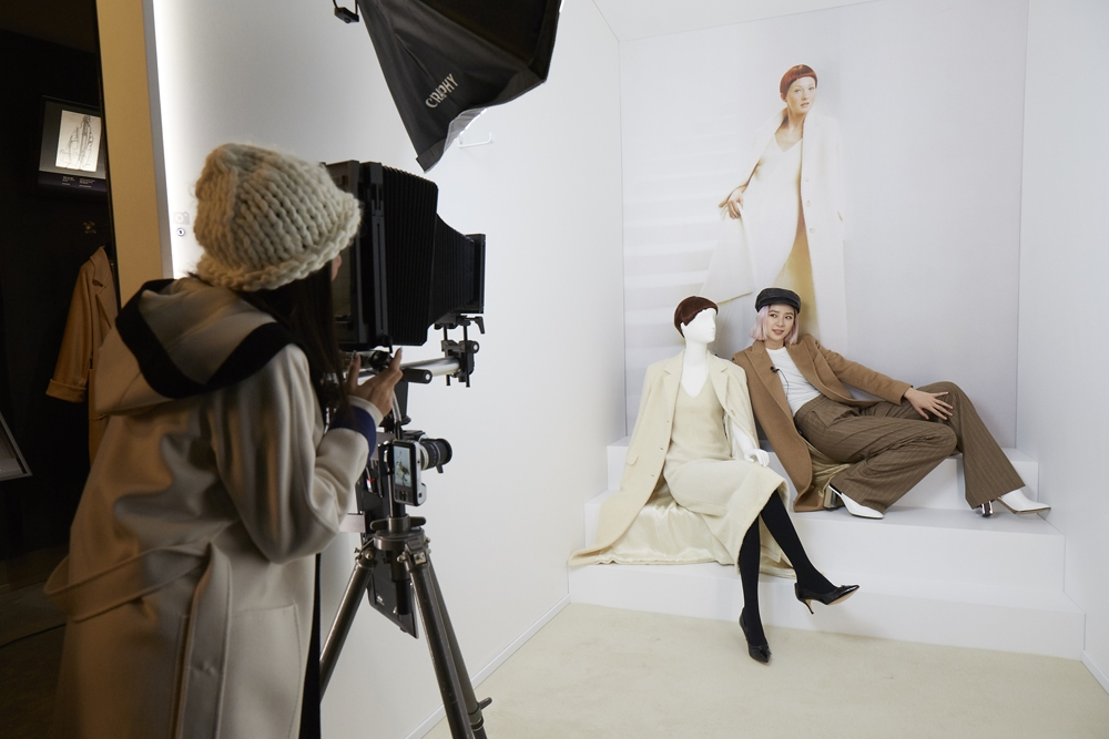 冬季顏值擔當就是它!潤娥、Irene Kim 親自示範焦糖色大衣這樣搭才夠氣場