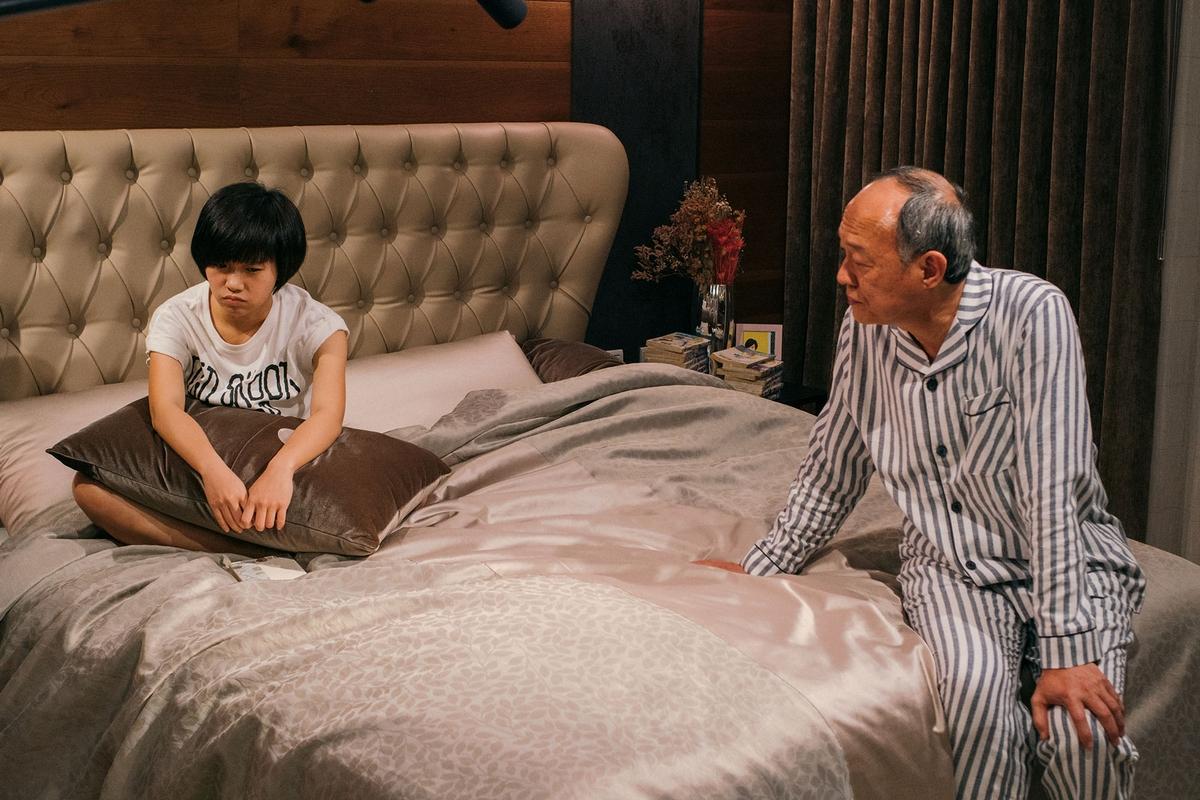 金士傑、林美秀當爸媽 嚴正嵐抱劇本入睡