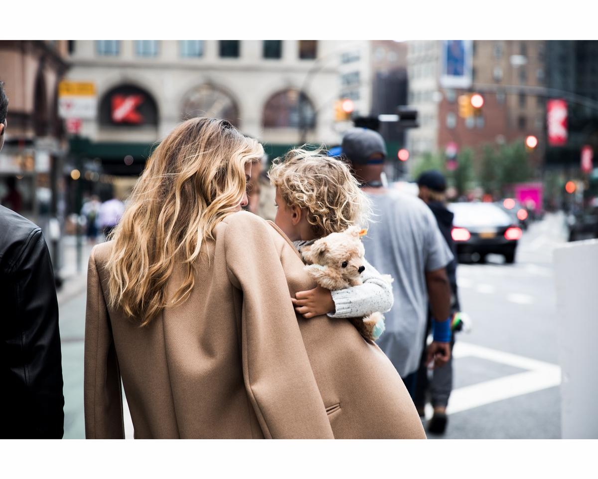 愛情就該如此甜!TiffanyLove全新廣告 捕捉相愛最自然舒服的那瞬間