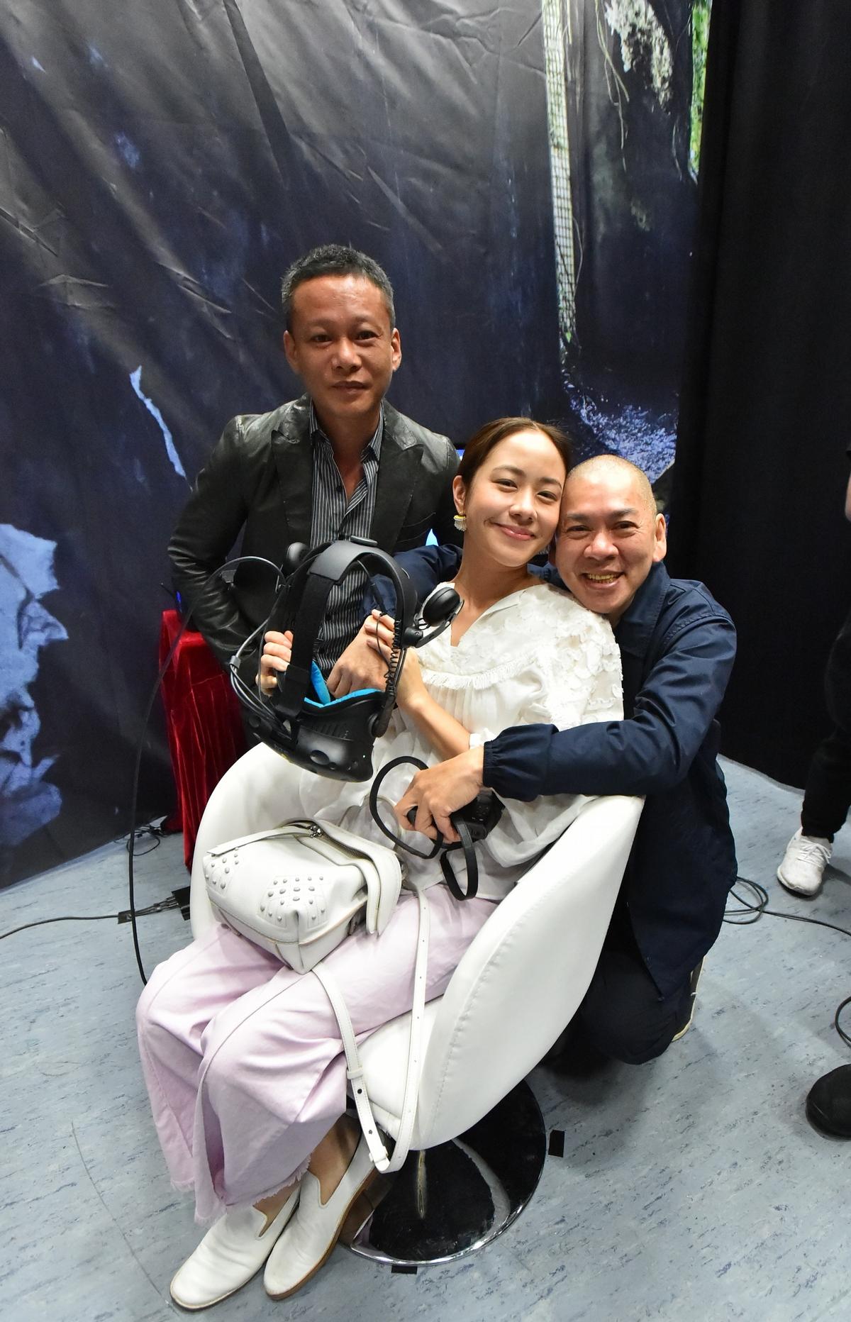 林嘉欣搶看VR電影《家在蘭若寺》 關心李康生脖子