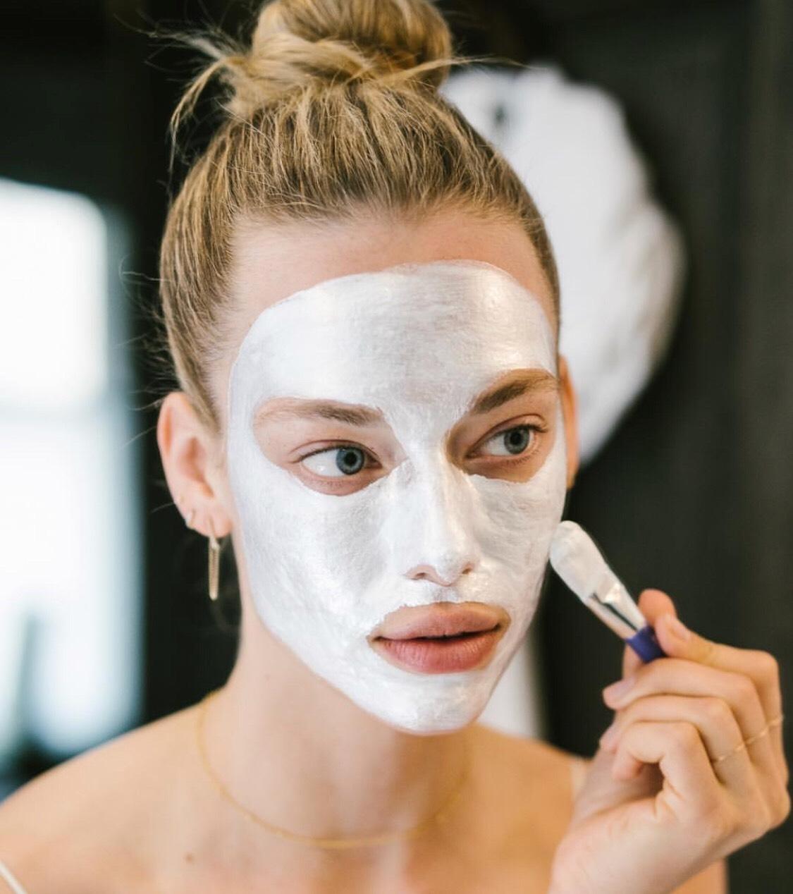 膏狀面膜出頭天,最近好需要面膜進補,就來幫肌膚混搭分區敷膜吧
