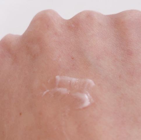 睫毛膏在夏天除了能持久抗汗抗暈染外,還能閃閃發光!2018 香奈兒眼妝系列讓人驚艷連連~