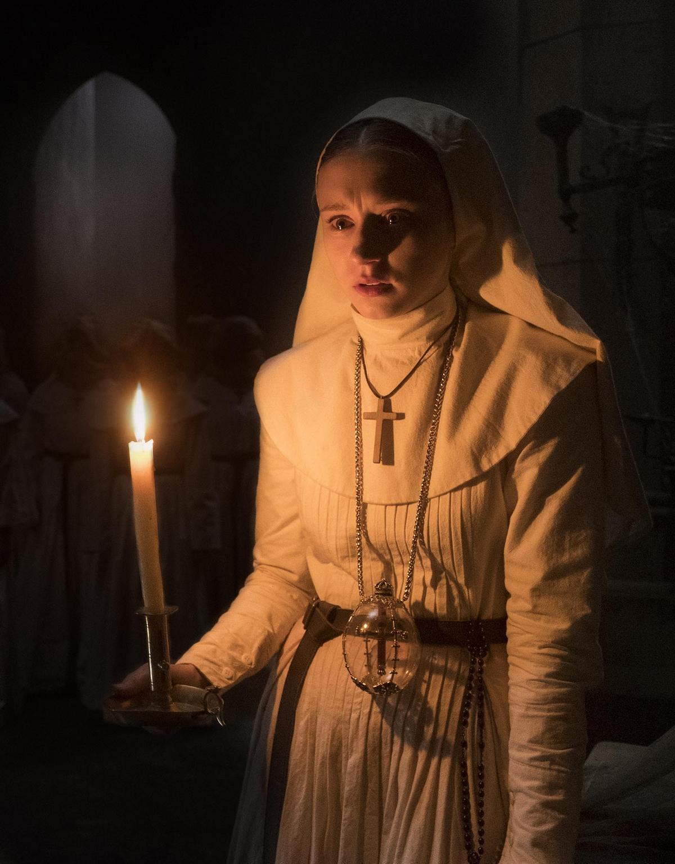 《鬼修女》女主角惡夢纏身 驚見姊姊當年「腰部爪痕照」