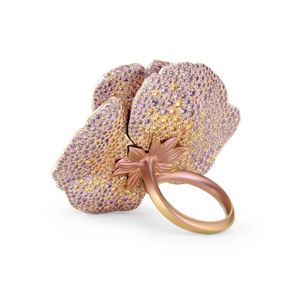 2018巴黎高級珠寶展— 當你碰觸一朵花的時候