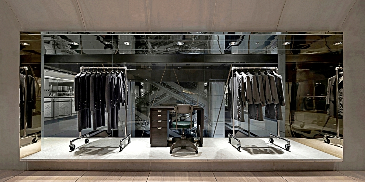 THOM BROWNE全球零時差期間限定嶄新概念櫥窗