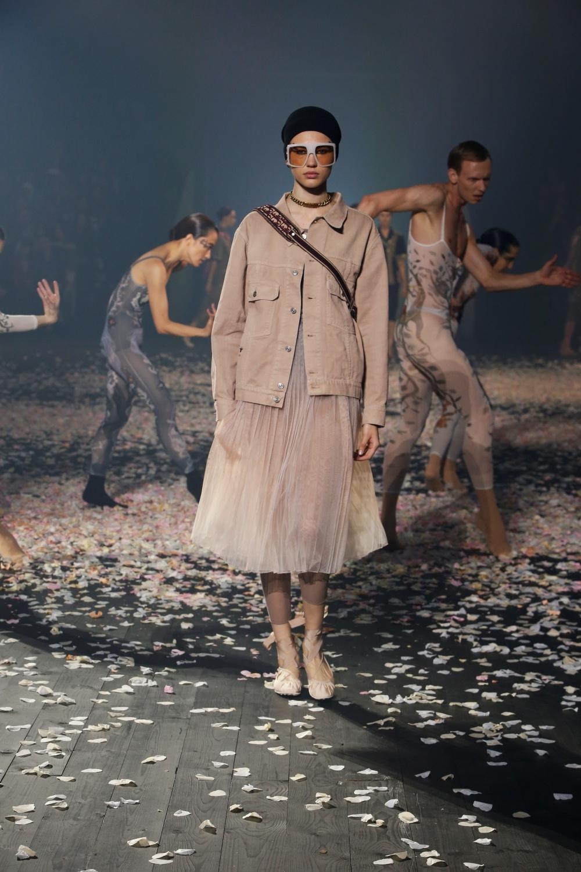 Dior 2019 春夏時裝系列,用舞姿展現新女性精神