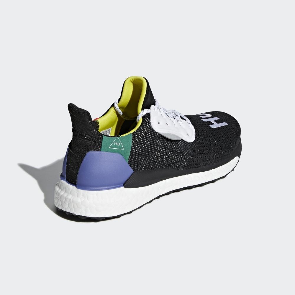 奔跑吧!adidas 與Pharrell Williams聯名全新系列,向非洲長跑文化致敬!