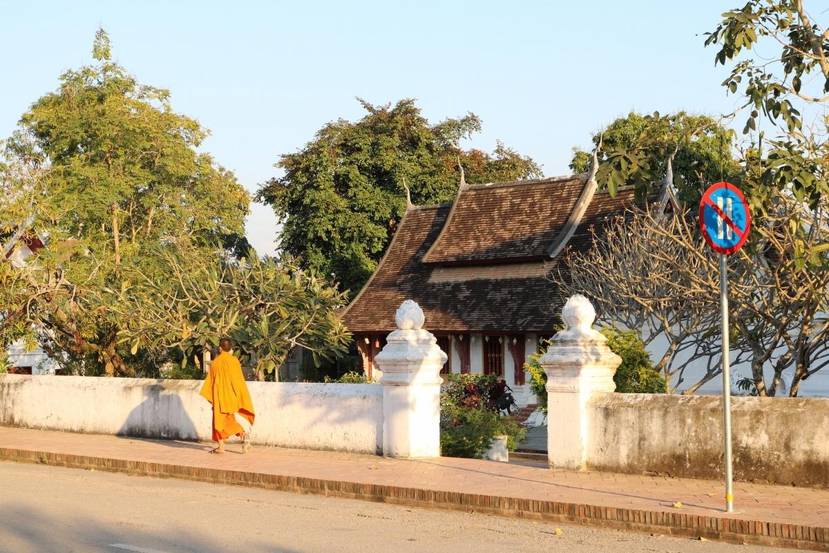 胡鬧旅遊提案 — 到龍坡邦跟和尚取經