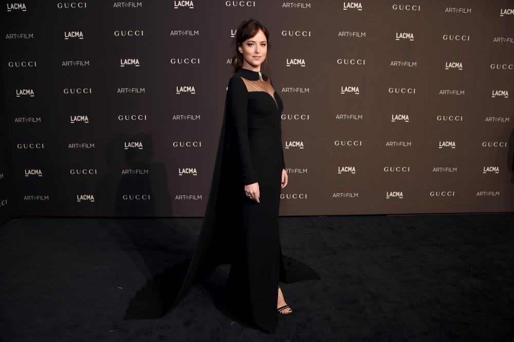 Gucci 舉辦LACMA 藝術暨電影晚宴 達珂塔強生深V禮服、米蘭達寇兒印花刺繡展現優雅韻味