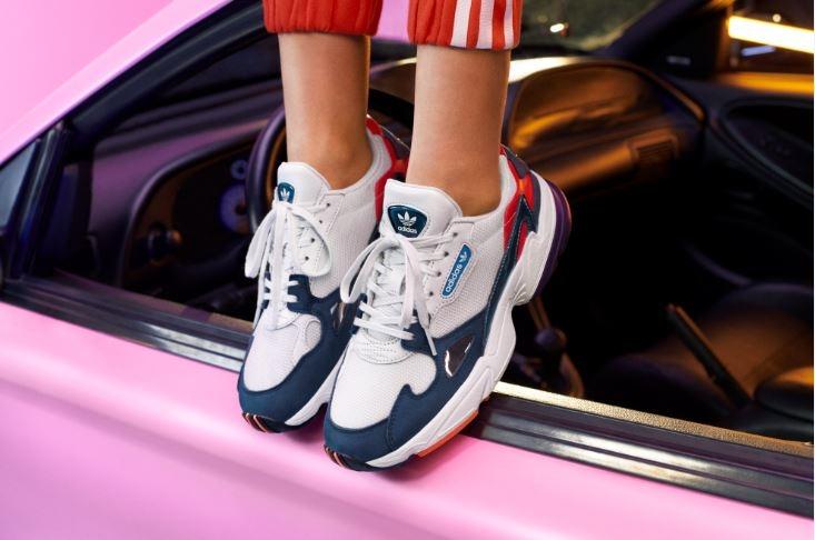 Adidas Originals 老爹鞋換新衣啦!全新配色讓任何少女都能輕鬆駕馭