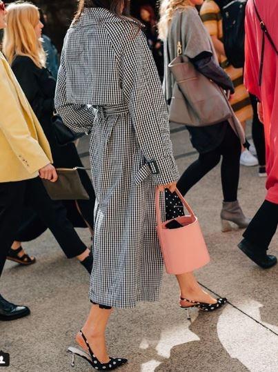 想顯白穿這色就對了!快看潮人們如何駕馭Pantone 2019年度色「珊瑚橘」美翻了
