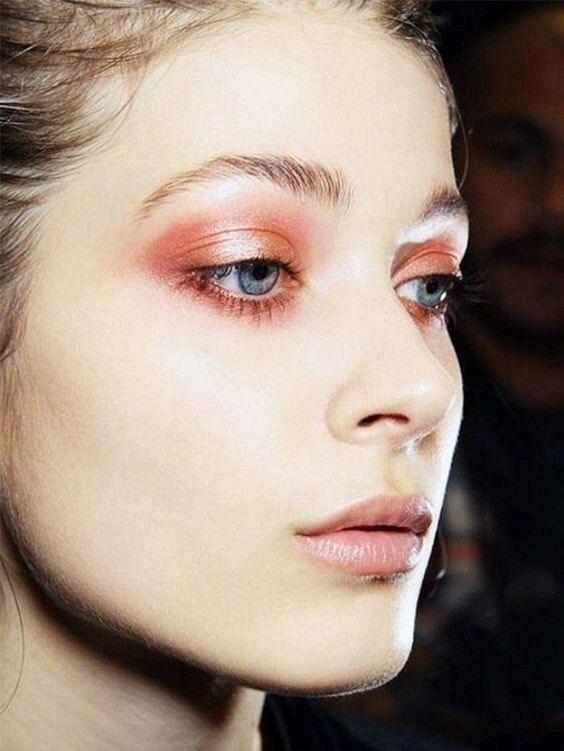 珊瑚橘大勢來了,春妝有了這樣活力鮮明的色彩加持,皮膚超顯白妝容超活潑