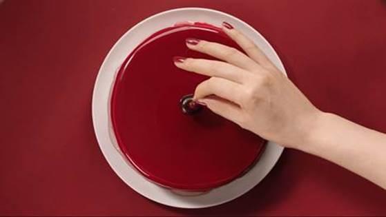 隨時都要紅〜uka精選六款最人氣紅色指色,#04#06編輯親身試驗,超顯白不挑膚色