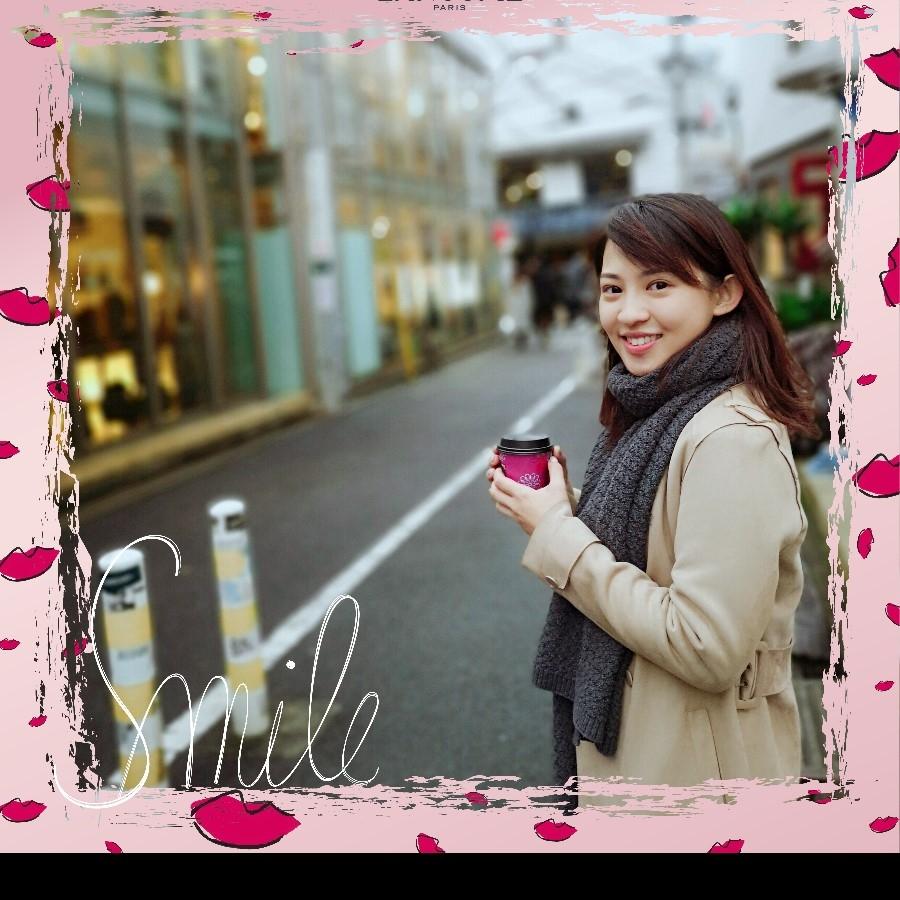 秀智最喜歡的#134絕對完美水唇釉,就裝在「微笑唇彩禮盒」裡,現在通通送給妳
