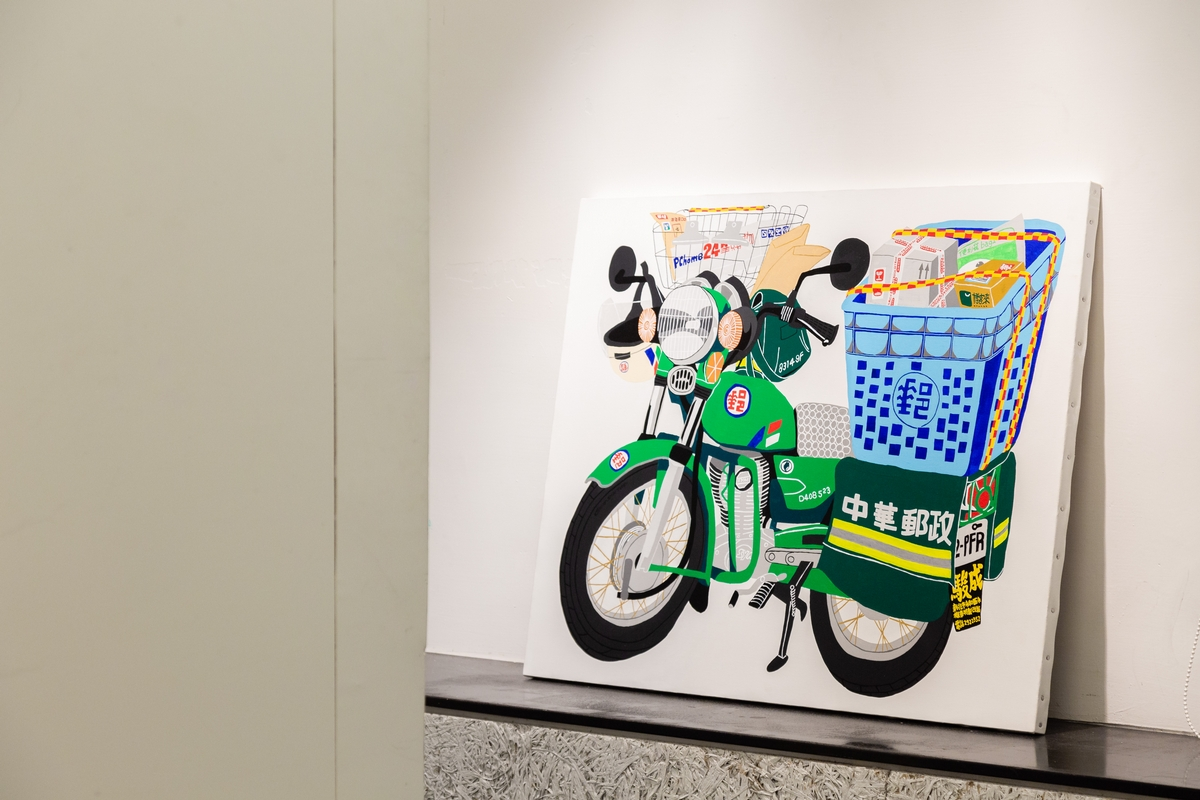 把廣告傳單、台灣機車收一起!旅日藝術家李漢強個展《李真的很強!》雙展場太趣味,連林宥嘉都搶合作