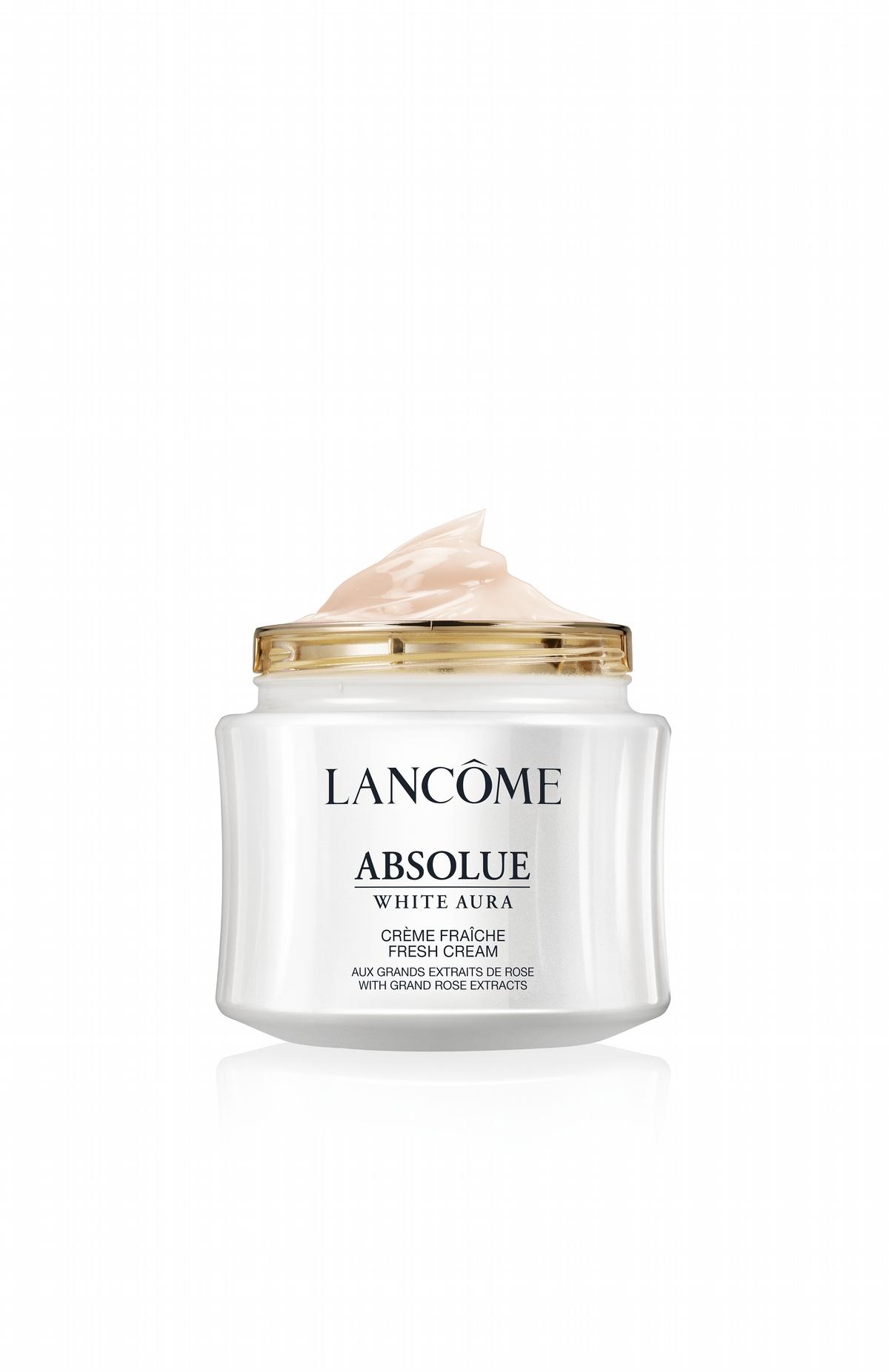 美白真的不能省著用〜蘭蔻乳霜加上精粹,幫肌膚在臉上輕運動,用在臉上真的太奢華