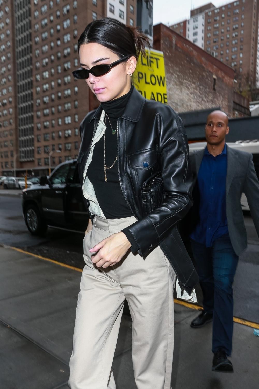 隨意搭都好看! Kendall搶背Longchamp 新包款 讓你穩穩駕馭任何style