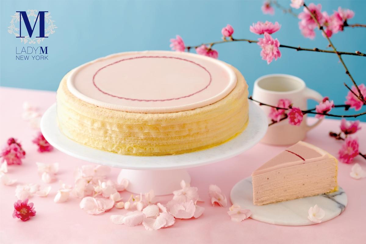 春季必吃的粉紅千層!Lady M 推出首次來台「櫻花莓果千層蛋糕」,少女快衝粉紅快閃門市品嚐