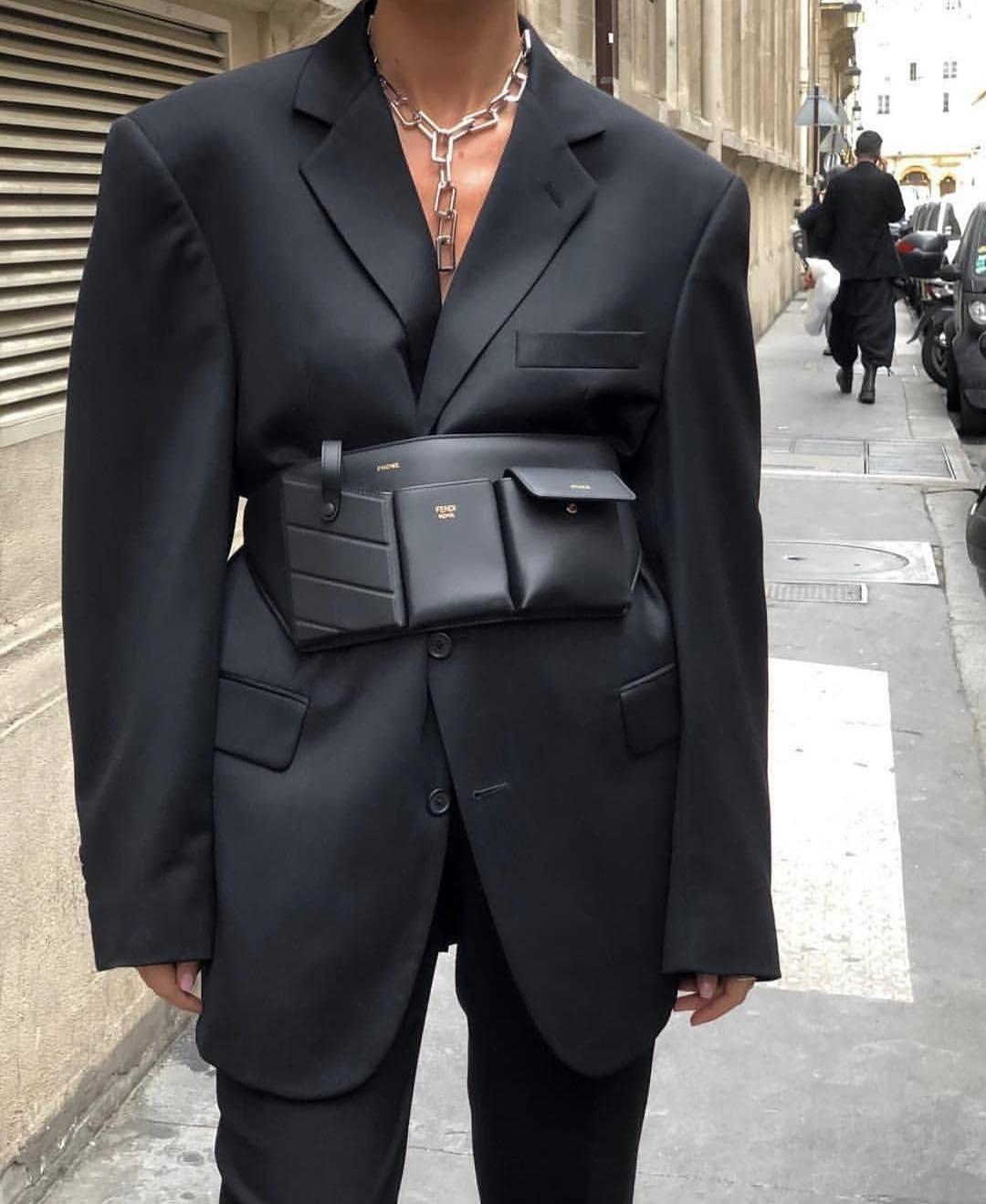 配件真的好重要!「西裝外套+腰帶」這樣搭 瞬間穿出纖細小蠻腰