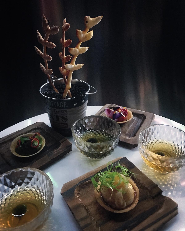 虱目魚餃、大腸包小腸都吃得到!阿舍食堂攜手ROOM by Le Kief 打造期間限定餐酒套餐