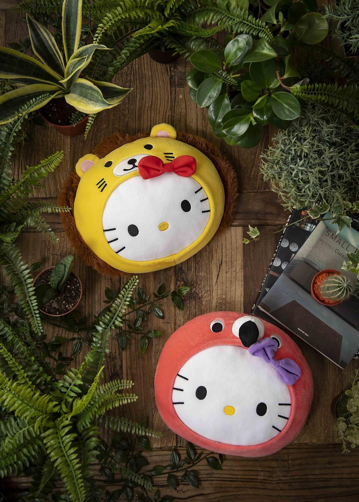麥當勞 x Hello Kitty 化身超萌獅子、粉紅鶴⋯4款超萌限量抱枕,一定要搜集!
