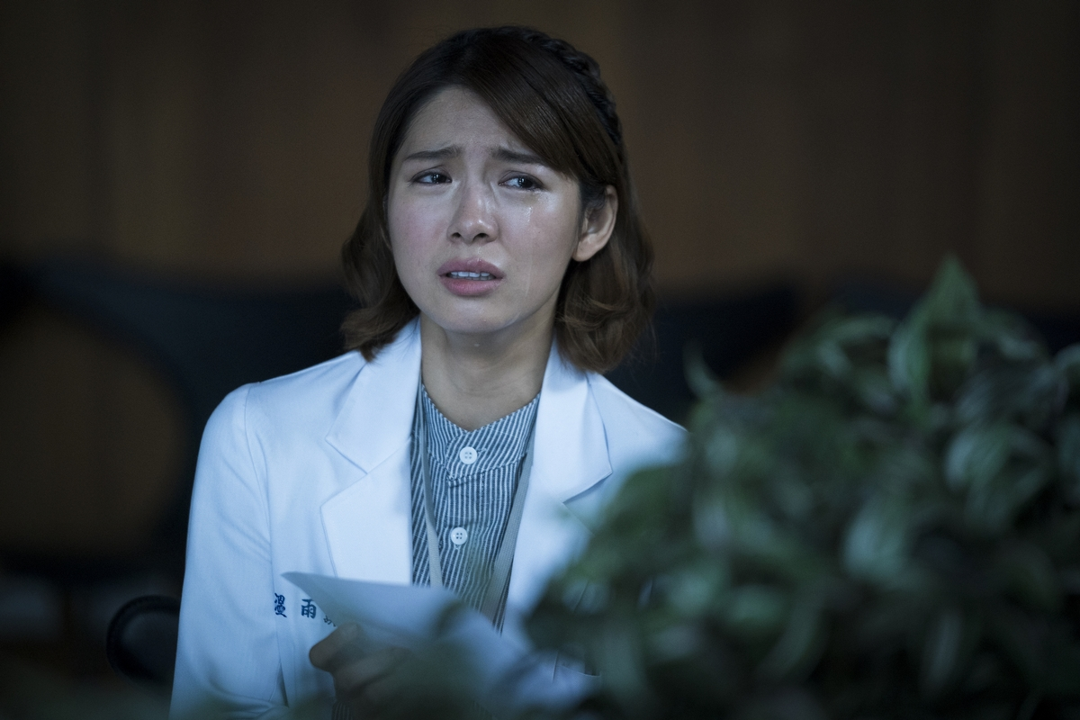劉倩妏拍《生死接線員》拍到內出血 鬼門關走一回