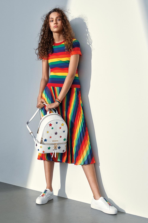 彩虹果然是最美的顏色!MICHAEL Michael Kors全新彩虹膠囊系列 大展青春活力