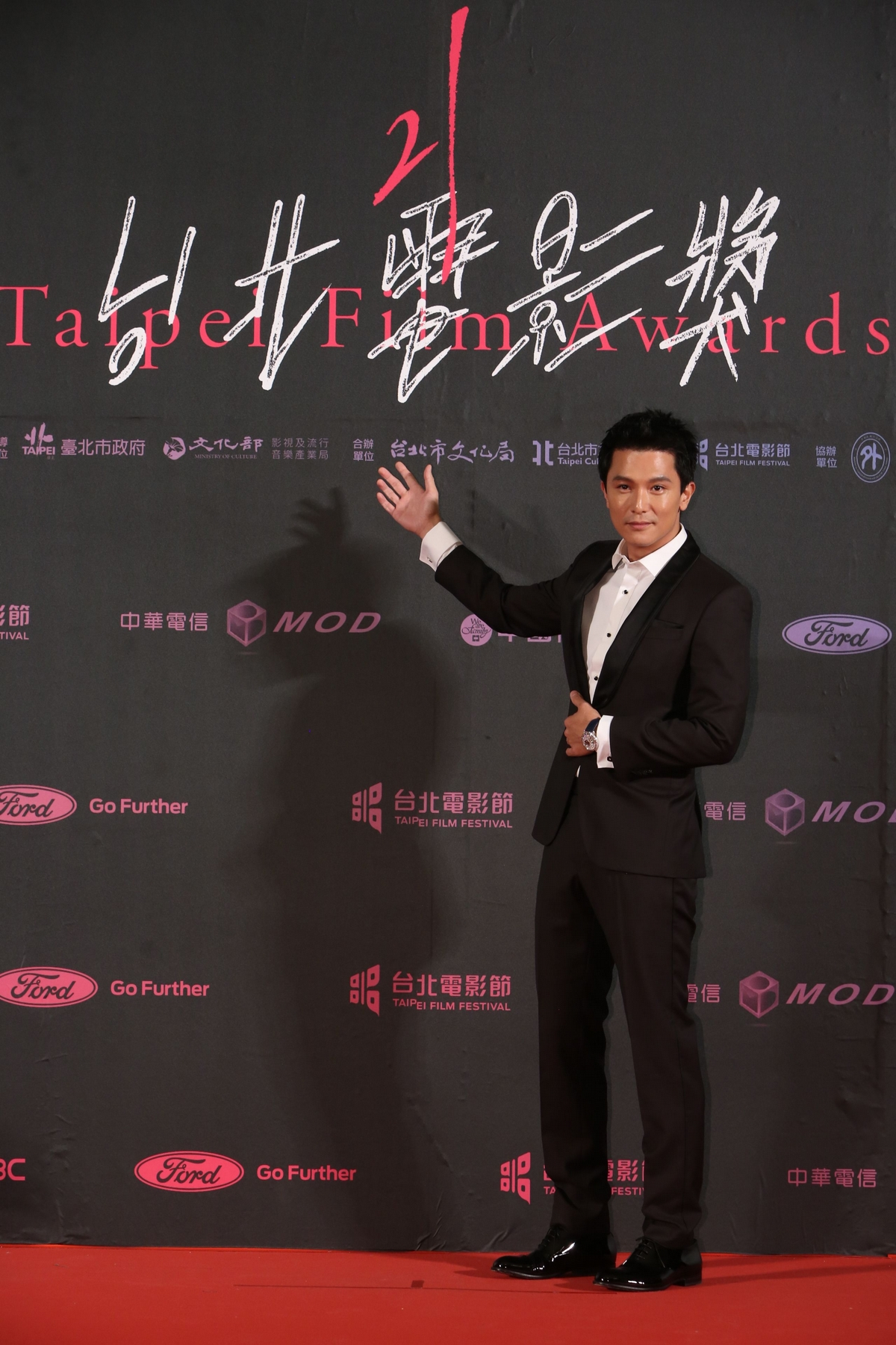 堪稱2019最吸睛紅毯!台北電影節現場,隋棠、徐若瑄、林依晨不只比美還要拼氣場