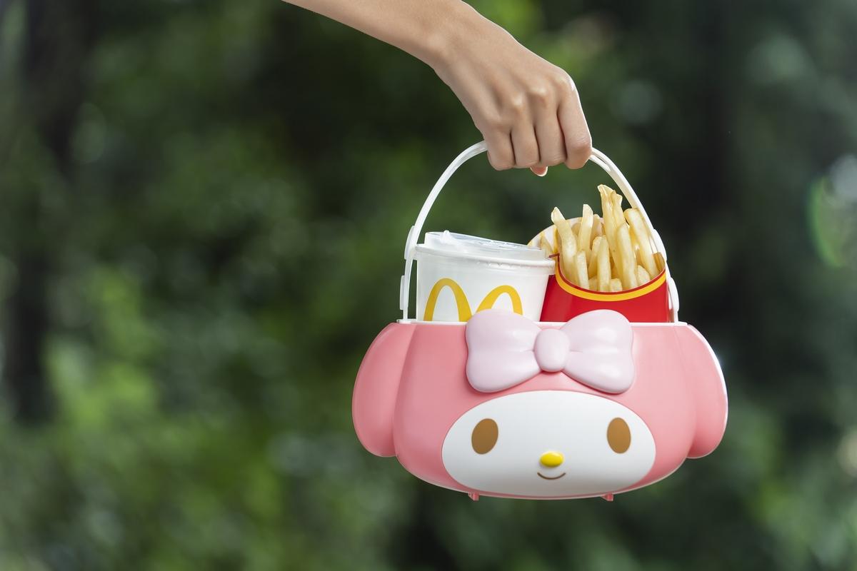 麥當勞「美樂蒂置物籃」10/23限量開賣!當野餐提籃、面紙盒都超合適,軟萌到需要搶購啦!