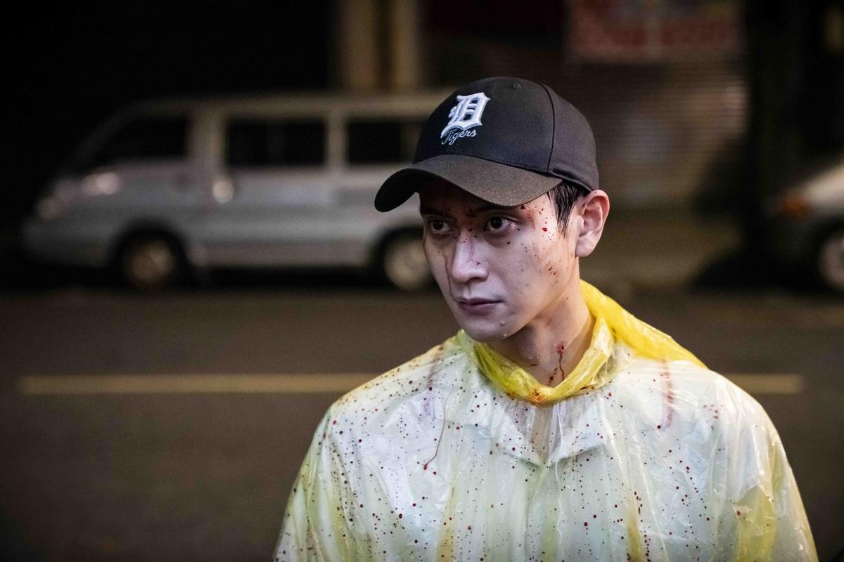 《陽光普照》周末吸金350萬!  劉冠廷遭拖行雨水灌七孔