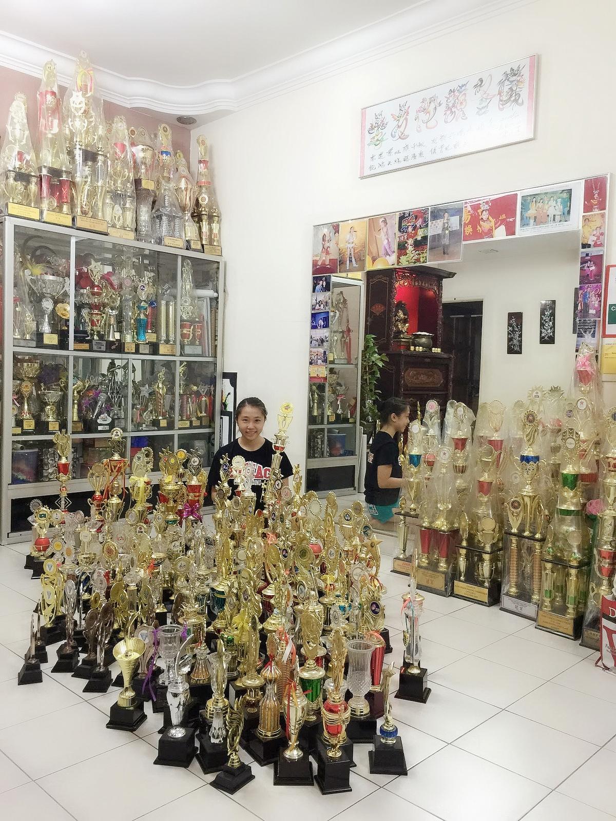 聲林冠軍李艾薇當老蕭師妹 160座冠軍獎座超狂!