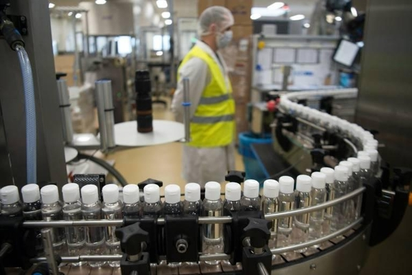 LVMH第一批抗疫產品上線,Dior瓶子裝載的抗菌洗手液,才是真正的奢侈品!