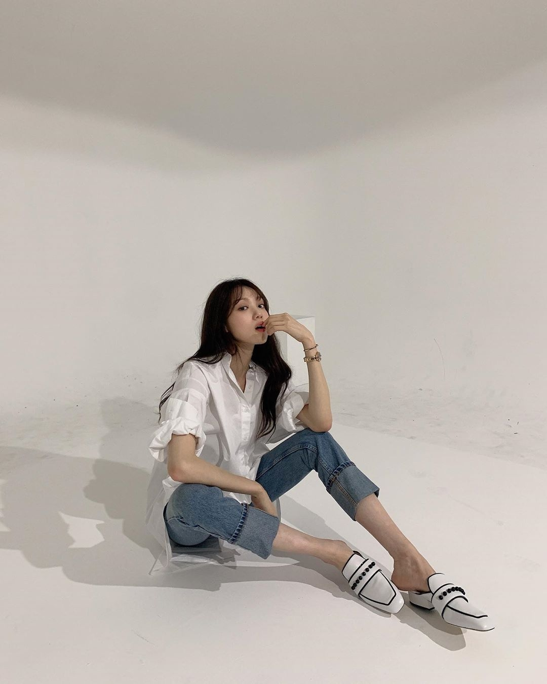 楊丞琳、韓素希都愛的白襯衫還可以這樣穿!學會立馬搭出女星們的時髦氣場