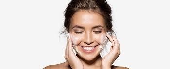 迎戰熱到不行的夏天,洗臉前一定要的步驟,就是徹底卸妝才行啊