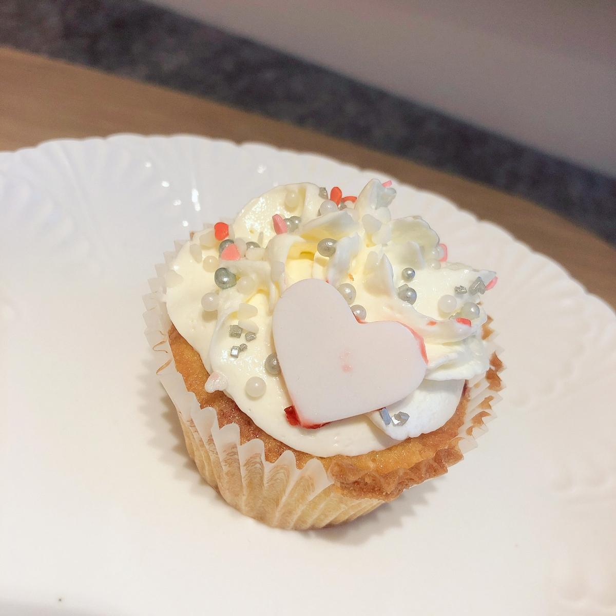 陳妍希七夕自製恐龍杯子蛋糕! 嘴甜要獻給「小情人」