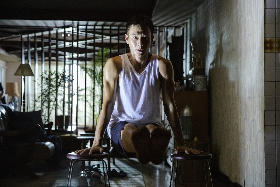 六得主共同打造2020金馬形象廣告! 劉冠廷操肌健身、范少勳帳篷獨處