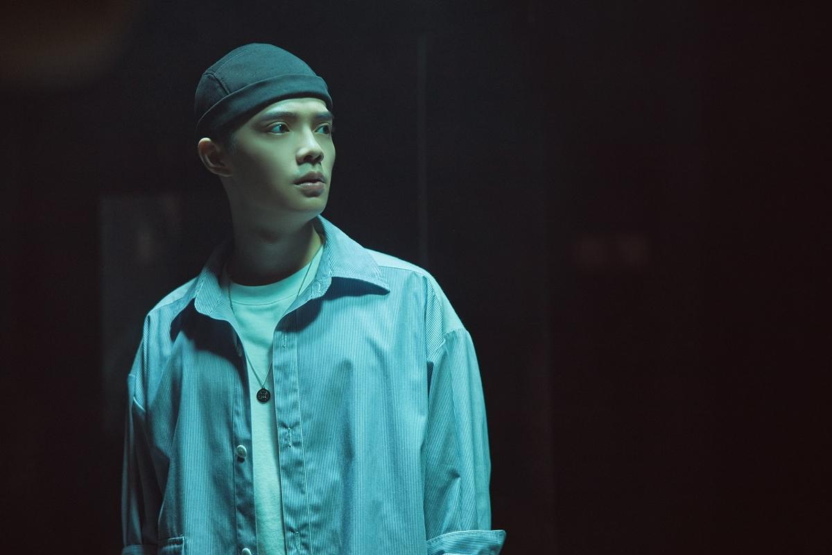 半夜搭電梯遇鬼打牆!曾柏鈞廢墟拍MV直呼「毛毛的」