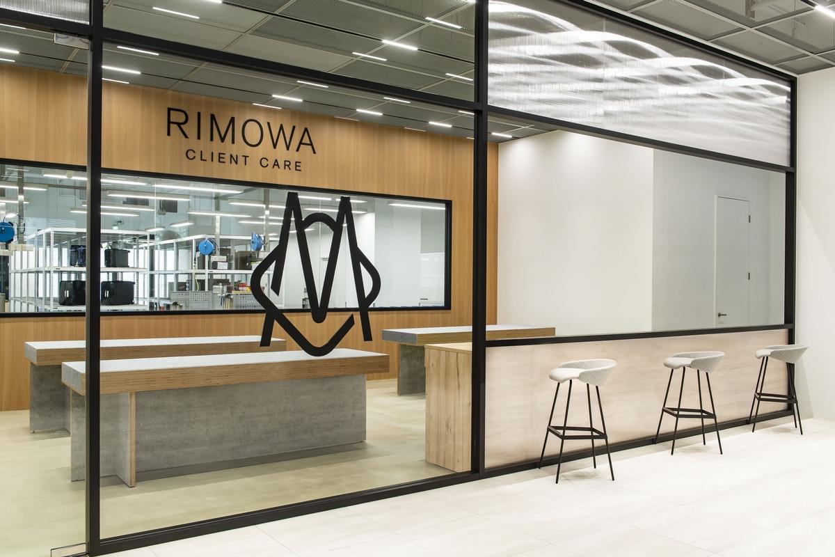 睽違2年再次回歸!RIMOWA全新專賣店進駐信義,旅行配件、經典款行李箱通通有