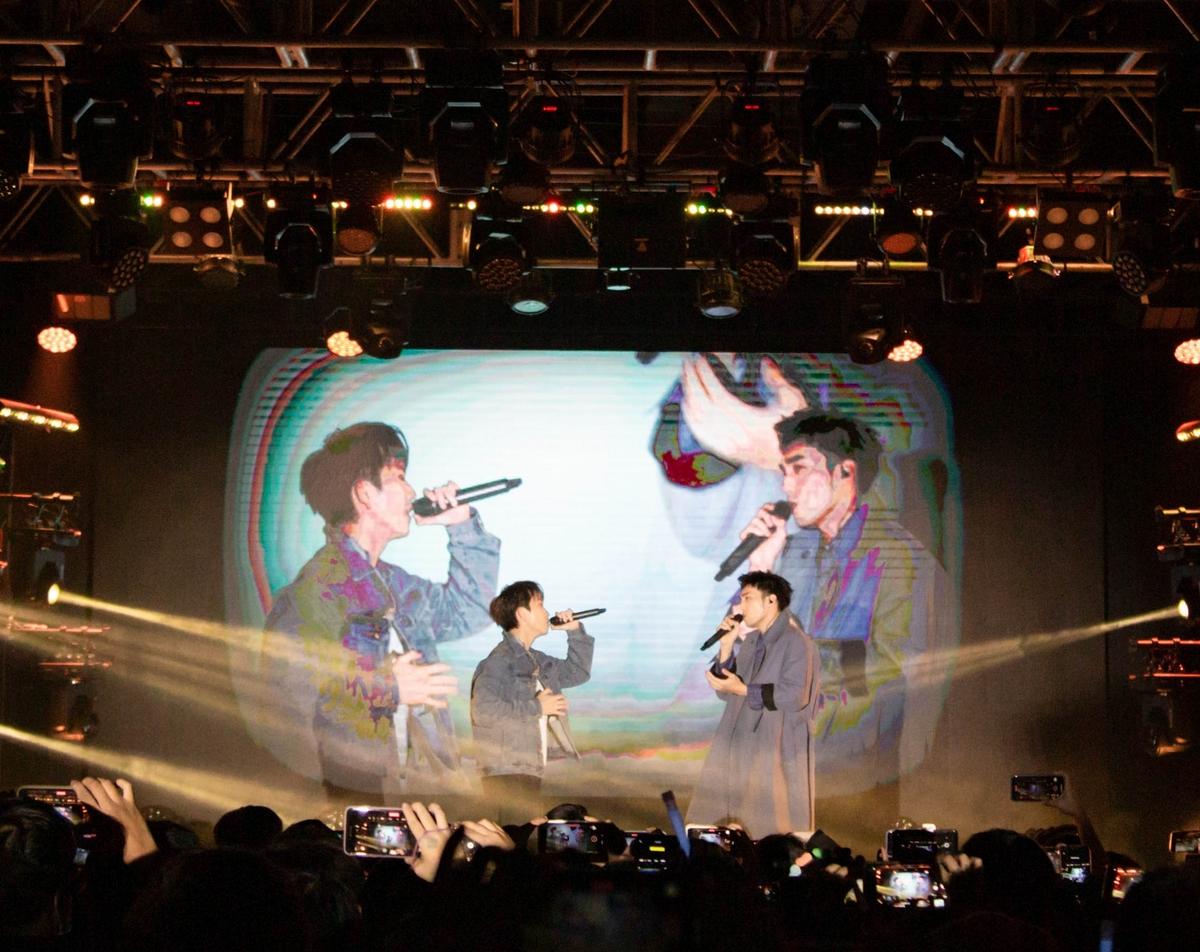 小賴開唱激吻鼓鼓「我媽會不會哭?」 砸750萬圓夢自曝「愛到卡慘死」黑歷史