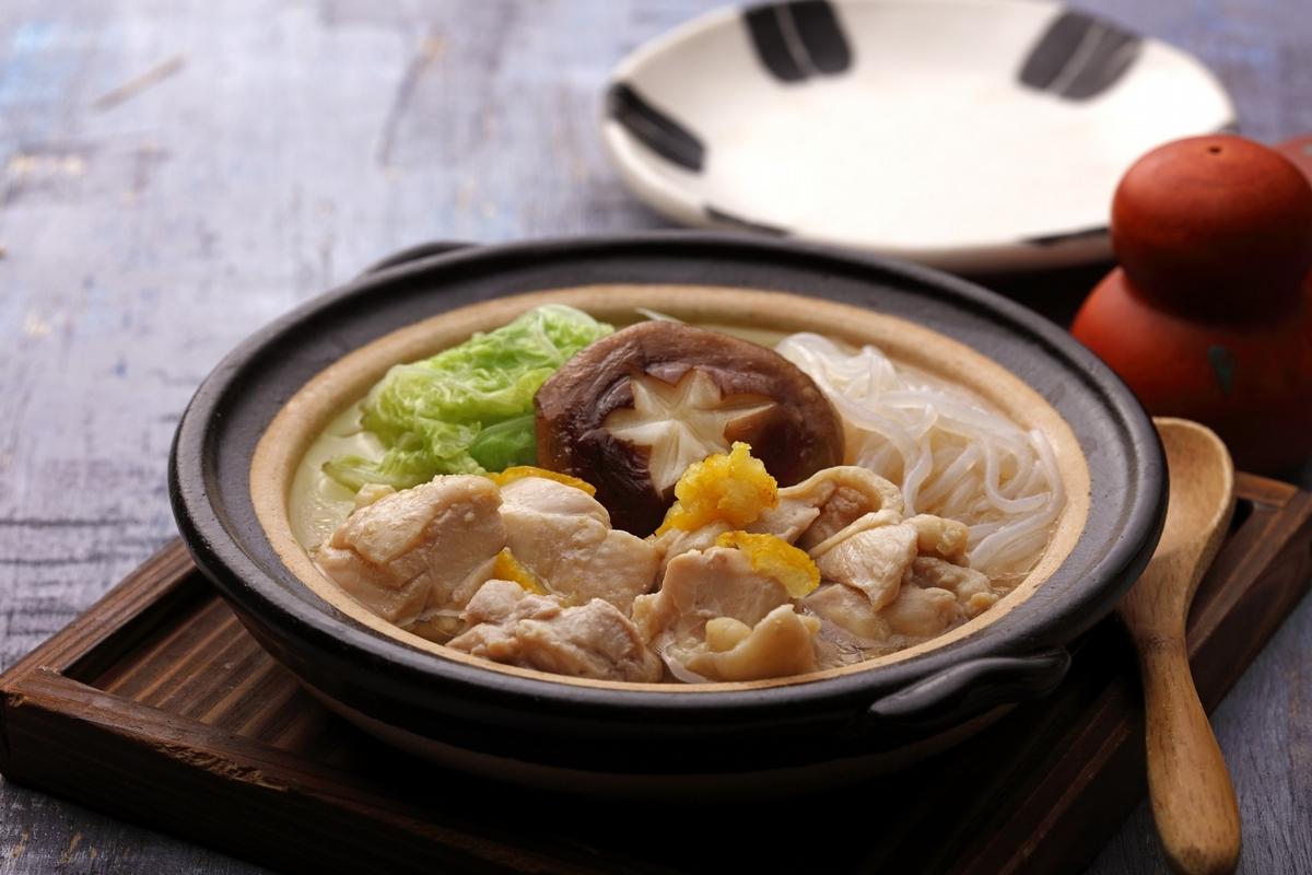 冬天就要吃熱湯麵!台北3家必吃暖心湯麵推薦,爆量級海鮮咖哩、日式豬排鍋物麵都在這