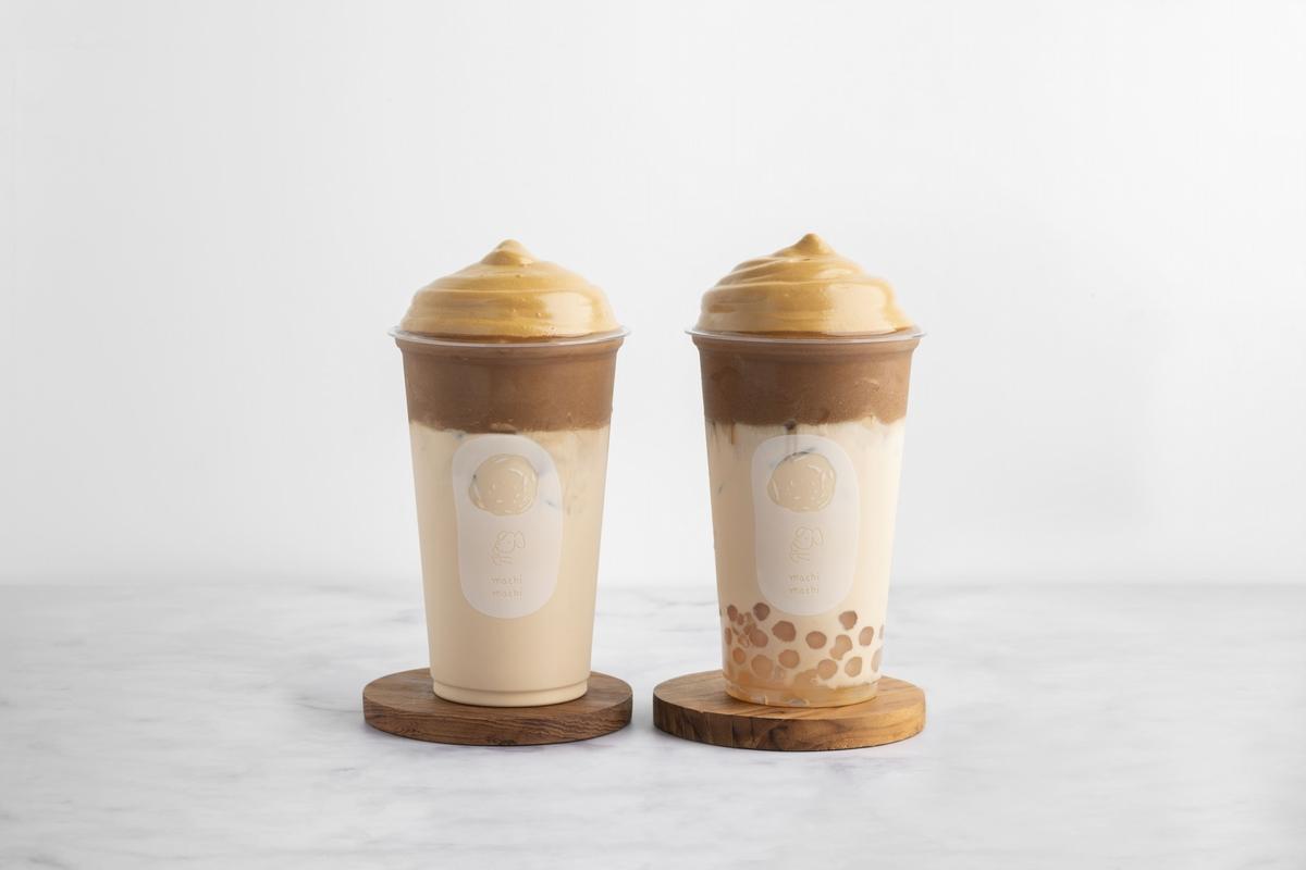 平價版星巴克!麥吉推出「摩卡咖啡奶茶、焦糖咖啡奶茶」首次加入口感滑順咖啡慕斯醬好喝又好拍!