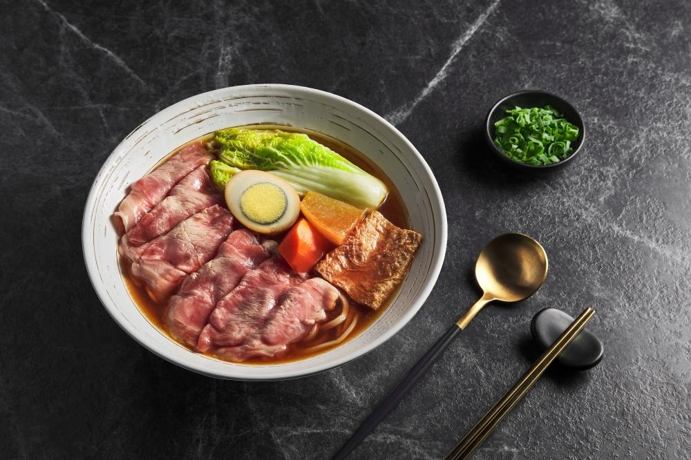 跟一般外送完全不一樣!全台首家科技廚房JustKitchen超威,多樣跨國料理在家就能輕鬆享用!