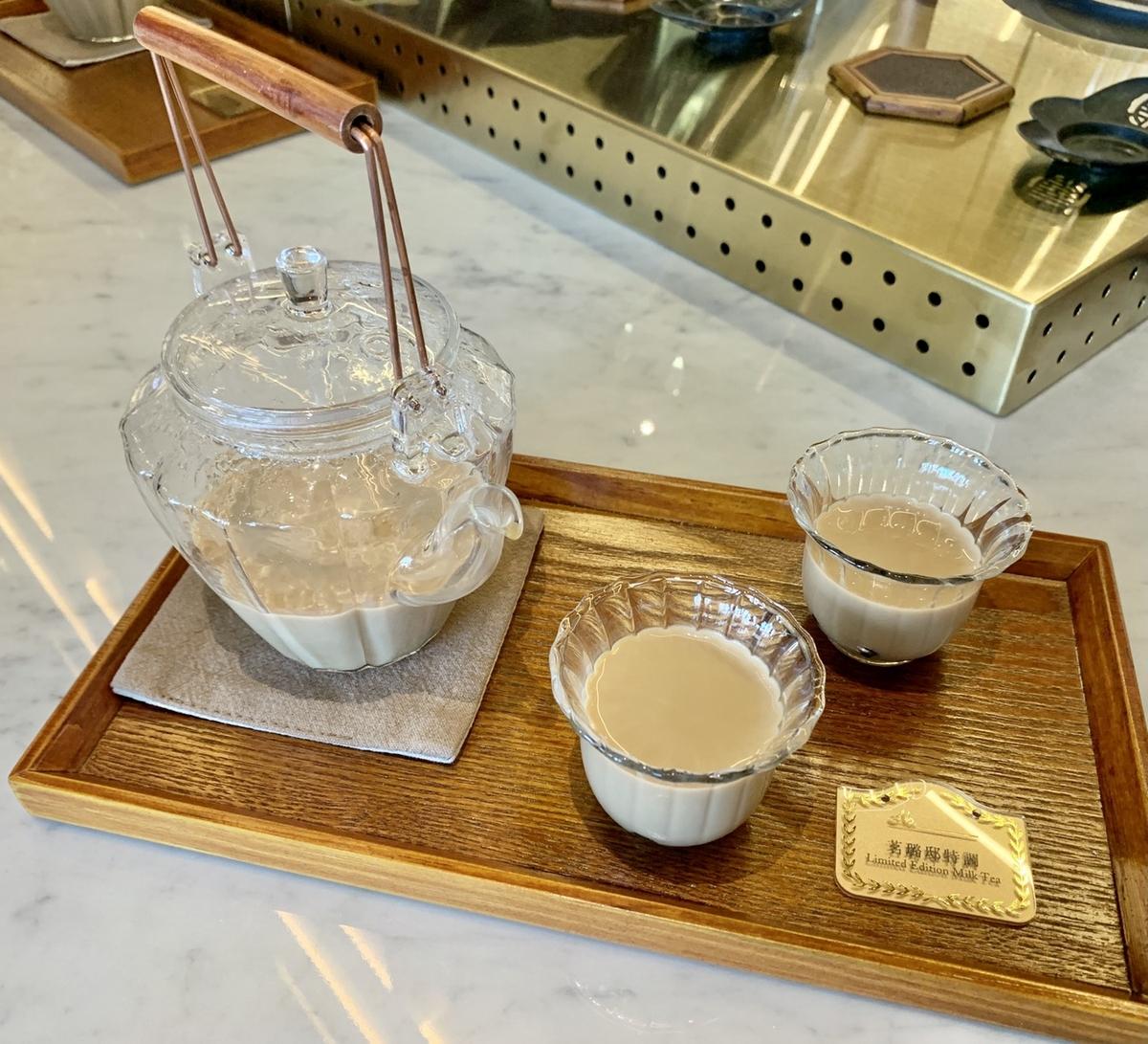 「永心鳳茶奶茶專門所」微風南山開幕!6款療癒奶茶、獨家茶布丁、碗型台式料理必吃推薦,加碼2款聯名茶飲販售