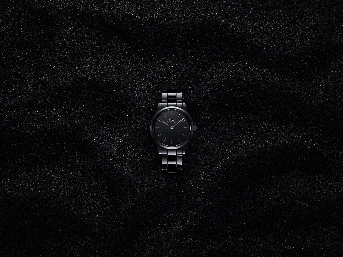 范冰冰全新大片出爐 以全球代言人身份演繹DW小黑瓷腕表
