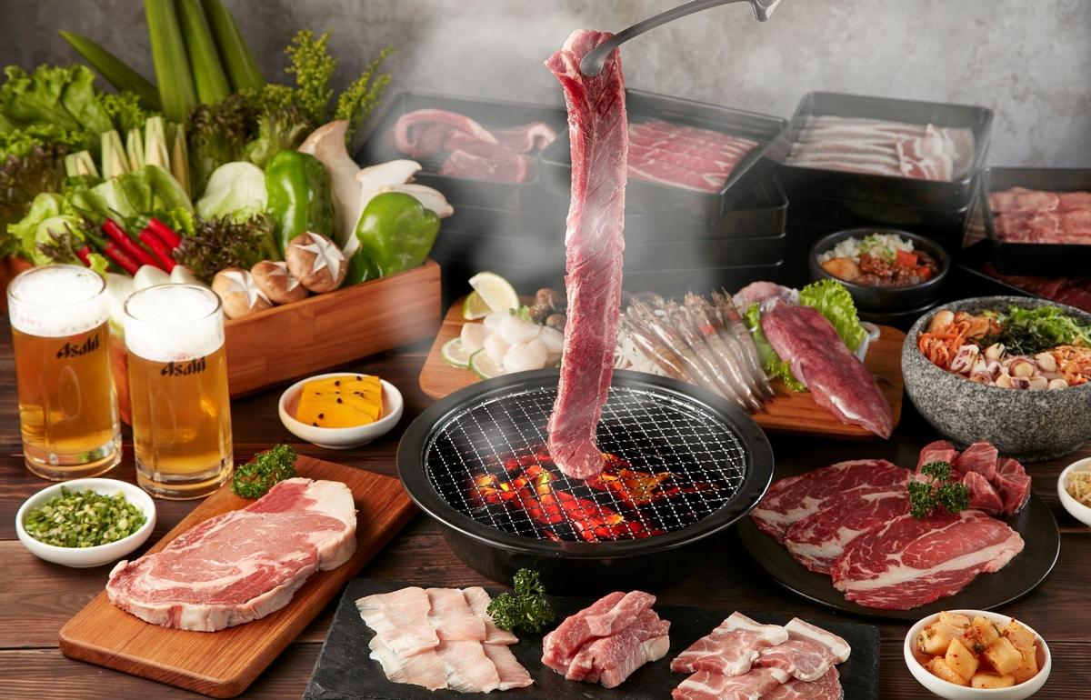 王品燒肉吃到飽「肉次方」首店在西門!35公分昇龍牛、精選橫膈膜、戰斧豬排通通有,最低588就能爽嗑肉