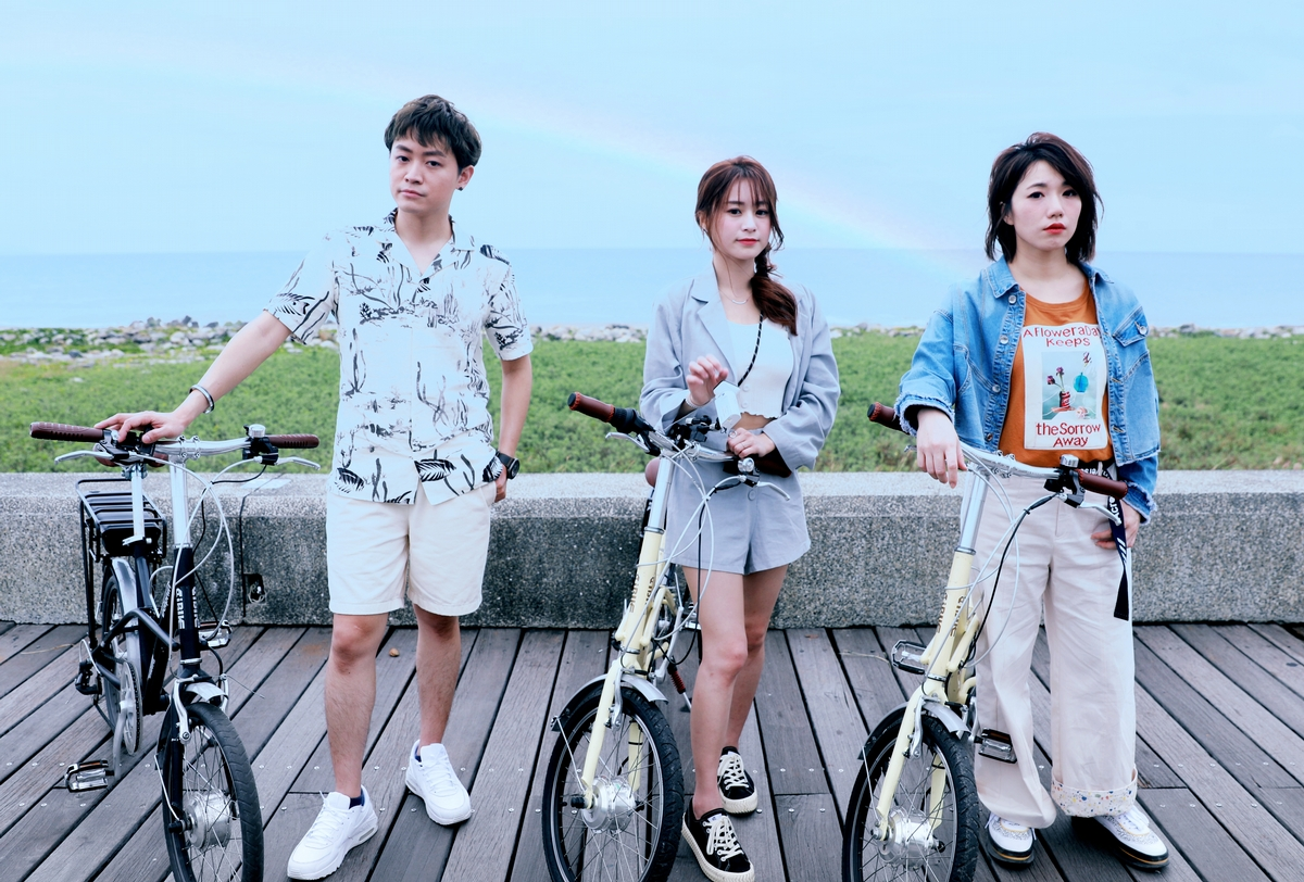 17LIVER任台東東海岸單車觀光代言人!示範超Chill新玩法