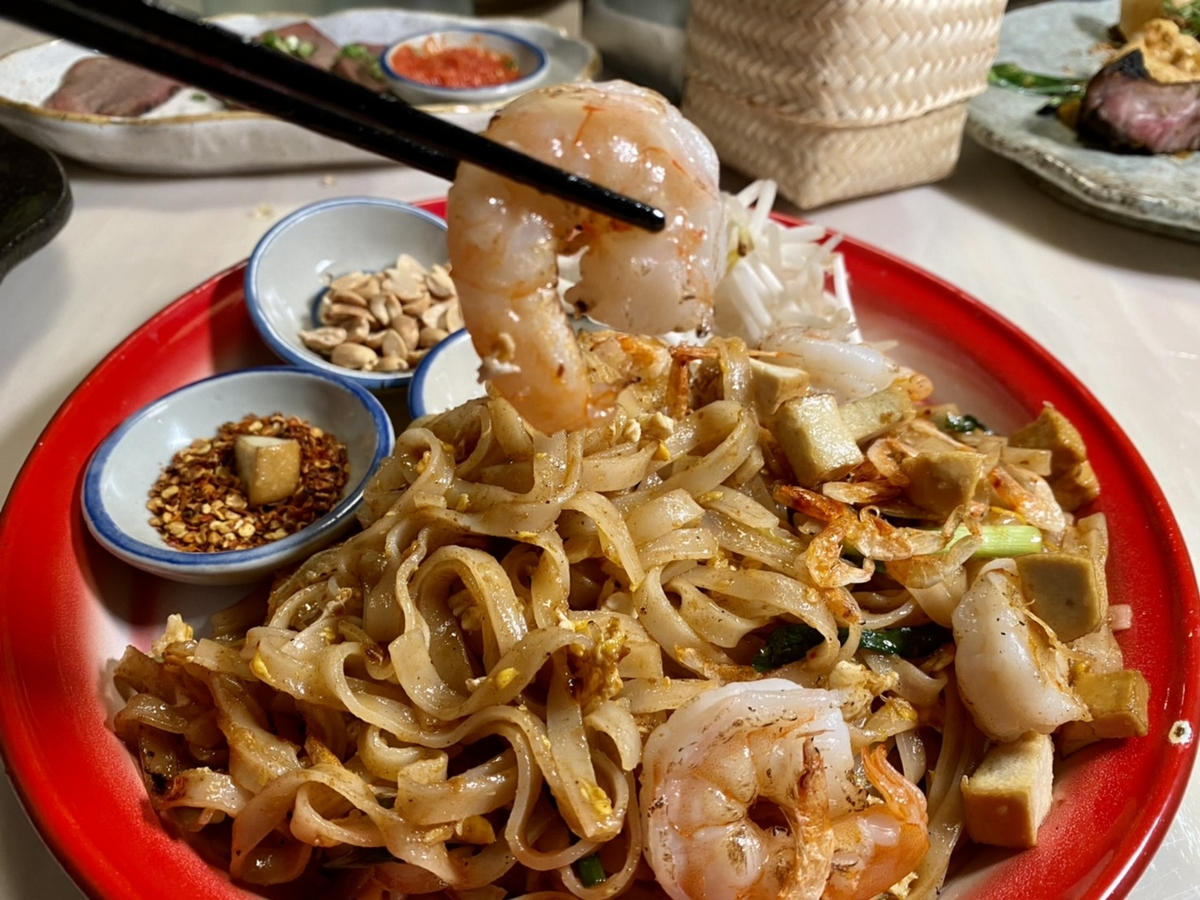 泰式餐酒館烤寨6款潑水節限定創意料理開賣!「滷豬腳飯、酥炸章魚腳、泰國炒河粉」真的泰好吃!