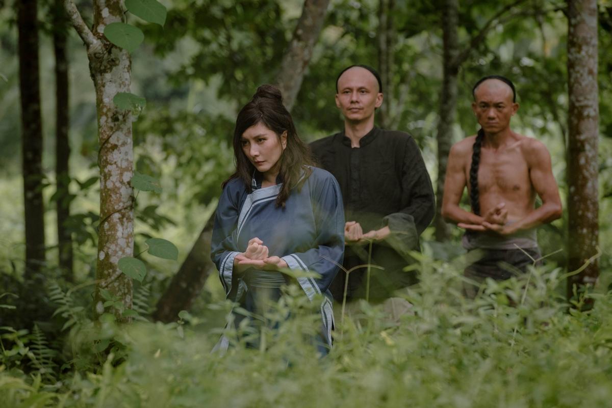何超儀4西片排隊上映!史詩傳奇電影新作速奪冠